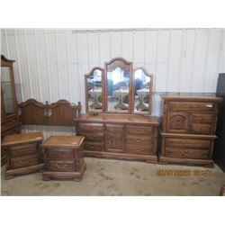 Oak 5 Pc Bedroom Suite- Modern Dresser w Tri Mirror, Highboyo Dresser, 2 Night Tables Headboard