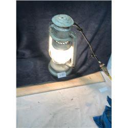 Electric Barn Lantern - Works