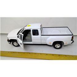 1:18 Cevrolet Silverado Truck