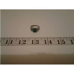Green Glass White Austrian Crystal Ring - Size 6 - SRV 140