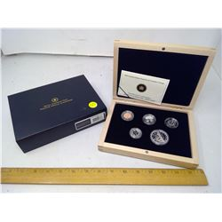 2010 - 92.5 silver limited edition proof set with maple wood case