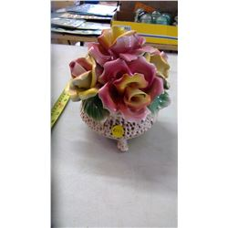 Cadodimonte Floral Basket Décor.
