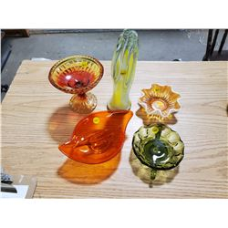 5 PIECES OF DECORATIVE GLASS