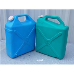 Reliance 4 & 6 Gallon Plastic Water Cans