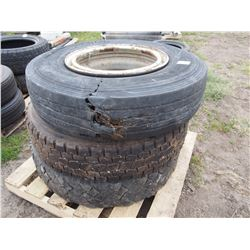 3 Tires 11R 22.5 *2 with Rims Damaged