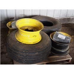 John Deere Rims & Tires 31X 13.50-15SL