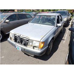 1992 Mercedes-Benz 400E