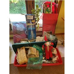 Lot of 20+ Christmas Items - decorations, pillows, candles, paper