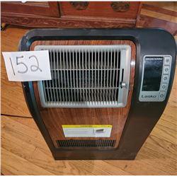 "Lasko Electric Heater with Ceramic Element - working - 26""h x 17""w"