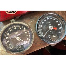 2 X SMITHS GAUGES