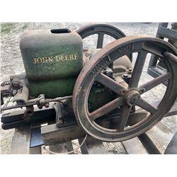 JOHN DEERE 1925 - 40's HIT & MISS ENGINE