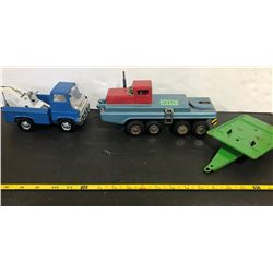 MARX WRECKER, HEAVY TRUCK - JAPAN, TIN TRAILER.