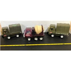 BUDDY L 2 X ARMY TRUCKS & CEMENT TRUCK - TIN & PLASTIC TOYS