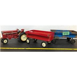 INTERNATIONAL TOY TRACTOR & BUGGY (2)