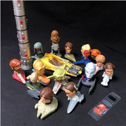 COLLECTIBLE STAR WARS TOYS LOT