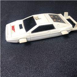JAMES BOND 007 LOTUS UNDERWATER CAR DIE-CAST TOY (CORGI of ENGLAND)