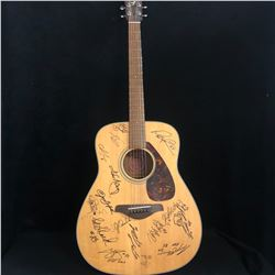 MULTI SIGNED ACOUSTIC GUITAR w/ SITTLER, MOSEBY, BARFIELD, TANEV, GAUDETTE, CHEEVERS + MORE...