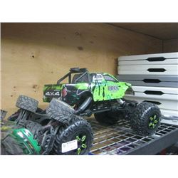 SET OF 2 REMOTE CONTROL CARS WITH NO REMOTE