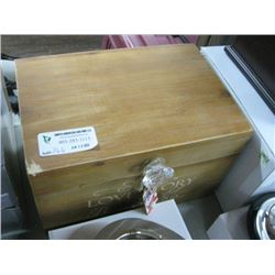 NEW GIFTWARE WOODEN BOX