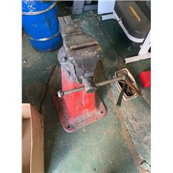 BRSD ( 5 inch Vise on a red stand