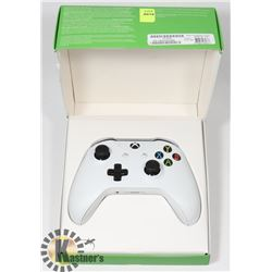 XBOX ONE WIRELESS CONTROLLER IN BOX