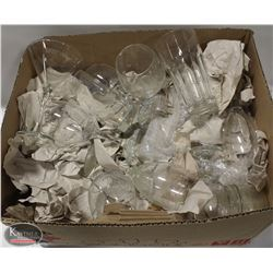 BOX OF ASSORTED GLASSWARE, APPROX 30 PCS