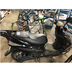 BLACK DAVING ELECTRIC MOPED, CONDITION UNKNOWN, NO KEY, NO CHARGER