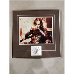 """BRANDON LEE (1965-1993) RARE SIGNED AND PROFESSIONALLY FRAMED """"THE CROW"""" DISPLAY WITH CERTIFICATE"""
