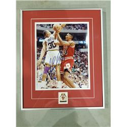 SCOTTIE PIPPEN SIGNED AND PROFESSIONALLY FRAMED CHICAGO BULLS PHOTOGRAPH WITH CERTIFICATE OF