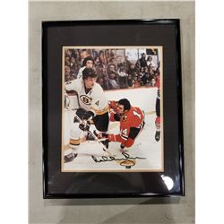 BOBBY ORR SIGNED AND PROFESSIONALLY FRAMED BOSTON BRUINS PICTURE WITH CERTIFICATE OF AUTHENTICITY