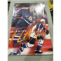 ANAHEIM DUCKS AUTOGRAPHS (2) - INCLUDES POSTERS SIGNED BY TEEMU SELANNE AND PAUL KARIYA WITH