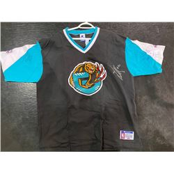 VANCOUVER GRIZZLIES OFFICIAL NBA SHOOTING SHIRT (XL) SIGNED BY BRYANT REEVES, MIKE BIBBY AND