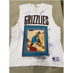 VANCOUVER GRIZZLIES AUTOGRAPHS (16) - INCLUDES SHAREEF ABDUR-RAHIM SIGNED AND PROFESSIONALLY