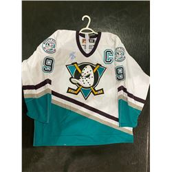 PAUL KARIYA SIGNED ANAHEIM DUCKS GAME JERSEY WITH CERTIFICATE OF AUTHENTICITY. INDUCTED INTO THE