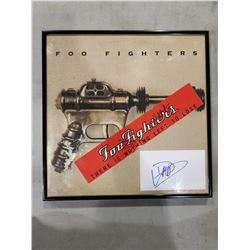 FOO FIGHTERS SIGNED AND FRAMED DISPLAY WITH DEBUT ALBUM - INCLUDES ITEMS SIGNED BY DAVE GROHL, NATE