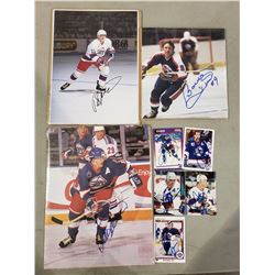 WINNIPEG JETS AUTOGRAPHS (7 ITEMS) - INCLUDING ITEMS SIGNED BY BOBBY HULL AND TEEMU  SELANNE AND