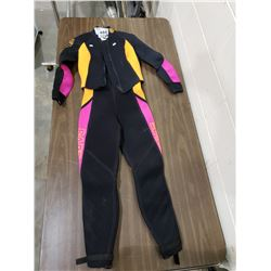 BARE SIZE 9-10 MADE IN CANADA WET SUIT