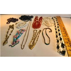 11 PCS COSTUME JEWELRY LOT