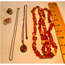 MISC JEWELRY LOT INCLUDES AMBER LOOK