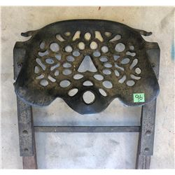 CAST IMPLEMENT SEAT ON ORIGINAL MOUNT