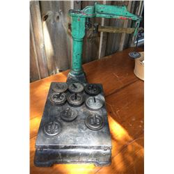 ANTIQUE CAST COUNTER TOP SCALE WITH WEIGHTS