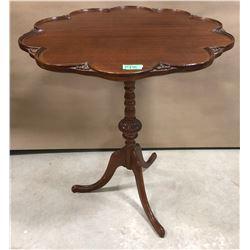 ANTIQUE PIE CRUST DROP TABLE