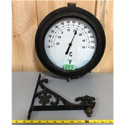 VINTAGE LOOK HANGING THERMOMETER