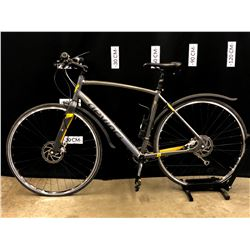 GREY DEVINCI COPENHAGEN 20 SPEED ROAD BIKE WITH FRONT AND REAR HYDRAULIC DISC BRAKES, BRAKES/WHEELS