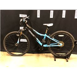 BLACK AND BLUE SPECIALIZED HOTROCK YOUTH SIZE 7 SPEED FRONT SUSPENSION MOUNTAIN BIKE, 62 CM