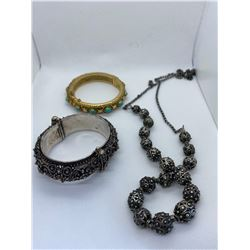 ASSORTED SILVER JEWELRY