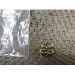 10 KT Gold Charm of Piano 5.95 grams
