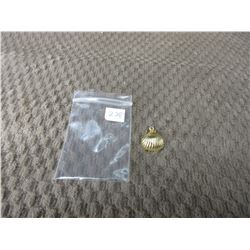 10 KT Gold Charm of Sea Shell .83 grams