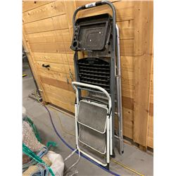 LOT OF SMALL STEP LADDERS