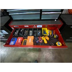 BYNFORD PRO 11 DRW. RED ROLLING TOOL CHEST WITH BLACK 8 DRW. TOOL CHEST ON TOP